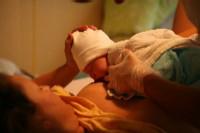 borstvoeding houding liggend na keizersnede