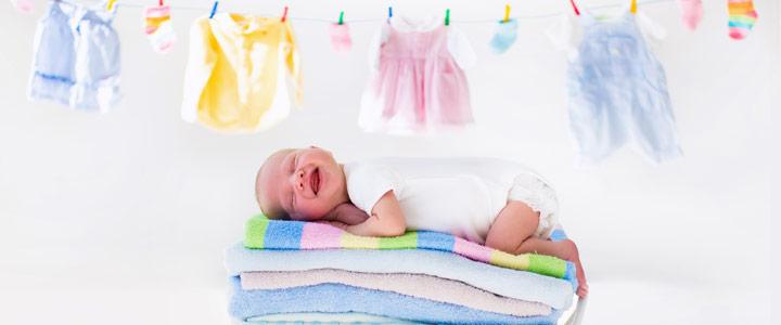 Babykleertjes wassen drogen strijken babywas babywasmiddel