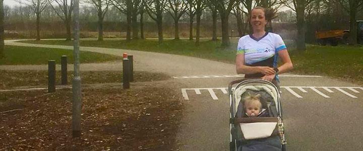 Sporten achter de kinderwagen, een behoorlijke uitdaging