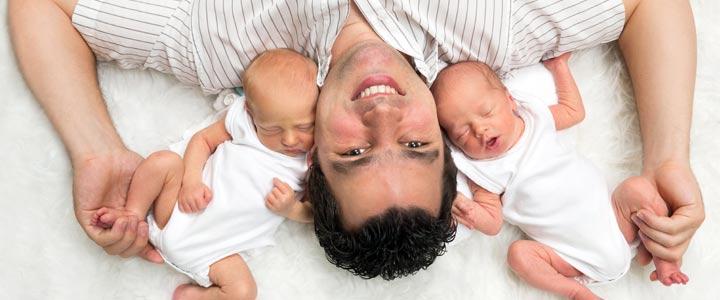 Hoe voed je een tweeling? Je draai vinden de eerste weken